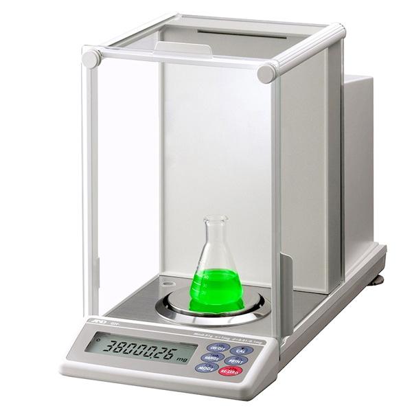 ترازوی آزمایشگاهی and مدل GH202